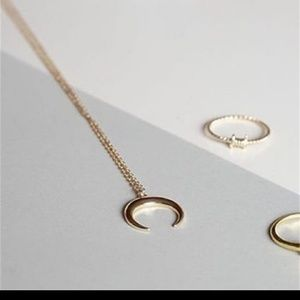 Fashion Jewelry Jewelry - Dainty Gold Crescent Horn  Necklace